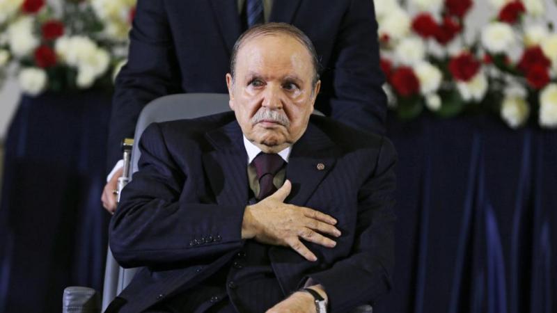 قائد الجيش الجزائري يطالب بإعلان شغور منصب رئيس الجمهورية