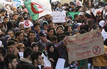 الجزائر: تعزيزات أمنية وسط العاصمة لمواجهة الاحتجاجات