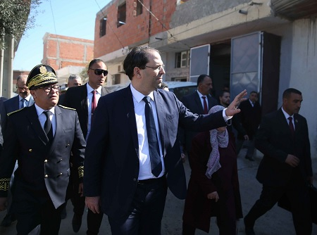 رئيس الحكومة يزور حي الزامرين بالمنستير