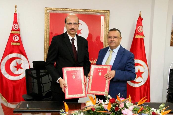 وزارة الفلاحة و البنك التونسي للتضامن يتفقان على توفير تمويلات للباعثين الفلاحيين