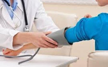 قبلي : تأمين أكثر من 350 عيادة مجانية لفائدة 32 مؤسسة تربوية