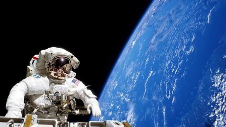 لأول مرة في التاريخ مهمة فضائية للنساء فقط