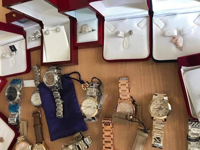 الديوانة تحجز مجوهرات بقيمة مليون دينار