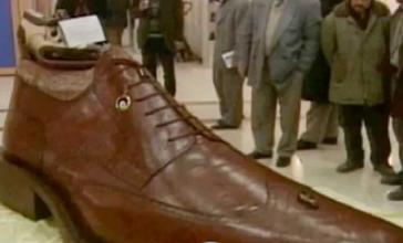"""تونس تستعد لدخول موسوعة """"غينيس"""" بصناعة اكبر حذاء في العالم"""