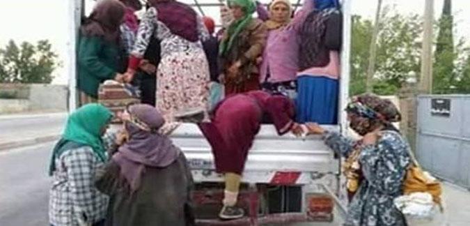 تتراوح اعمارهن بين 15 و 56 سنة.. سقوط عاملات فلاحة من شاحنة