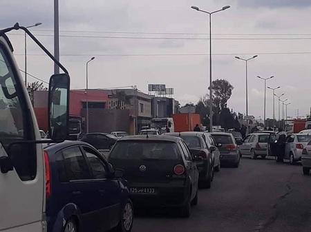 قرمبالية: غلق الطريق السيارة احتجاجا على الترفيع في اسعار المحروقات
