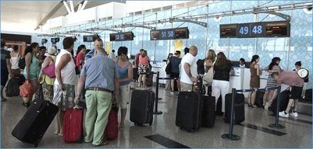 مطار النفيضة :وصول أول وفد من السياح الروس