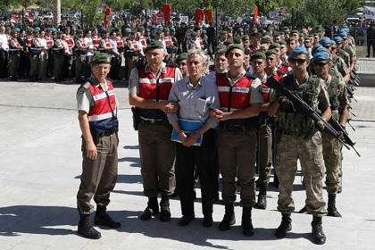 24 حكما بالسجن مدى الحياة في حق قادة الانقلاب الفاشل