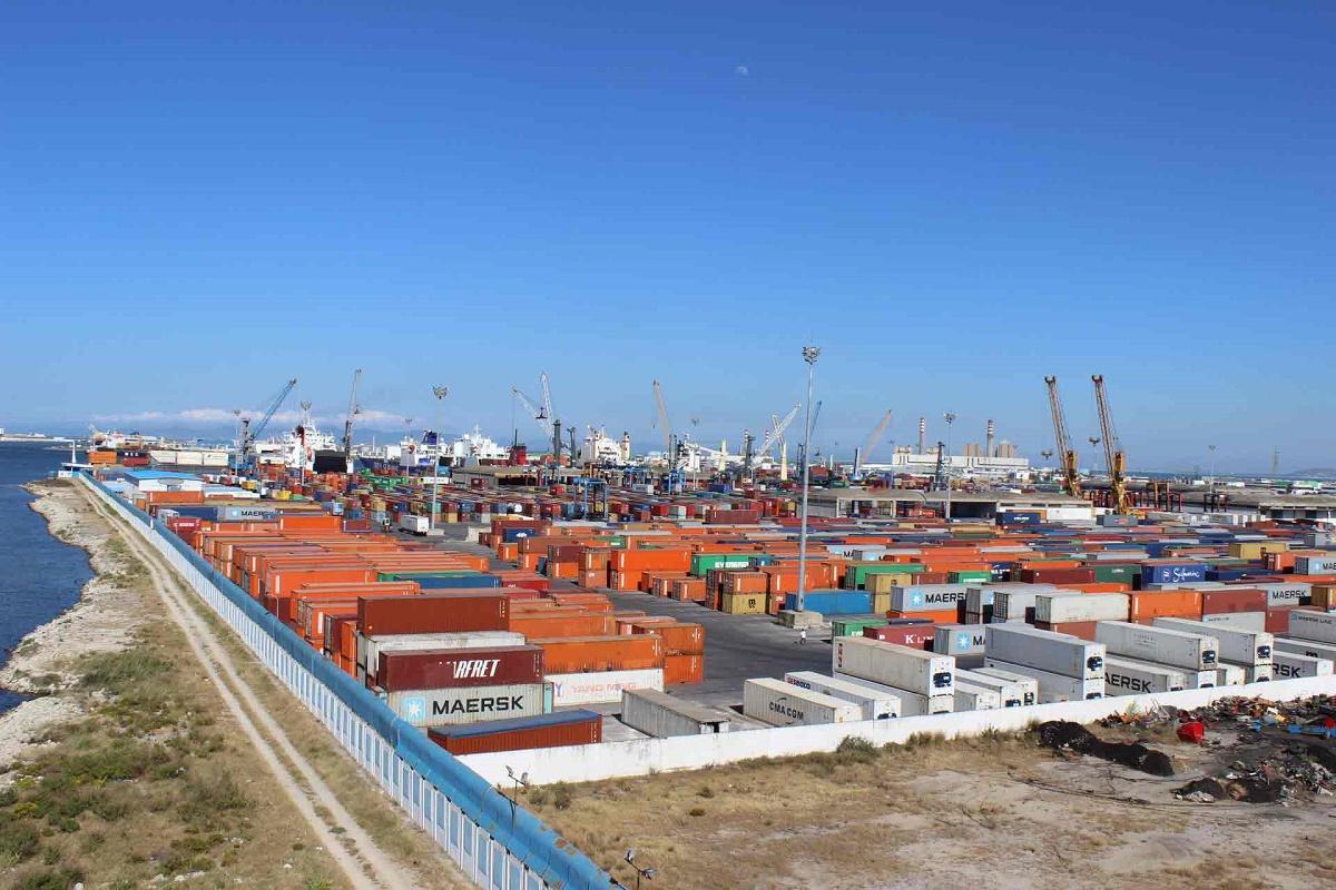 وزير النقل يطلع على سير مختلف العمليات بميناء رادس