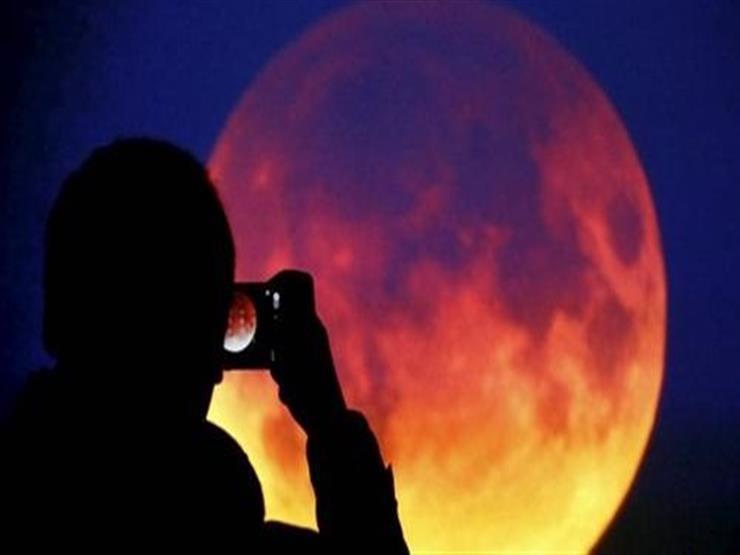 ابتداء من الساعة التاسعة ليلا ..خسوف جزئي للقمر