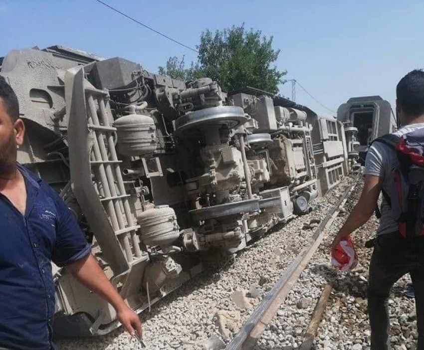 القلعة الكبرى: انقلاب عربة قطار وتسجيل 15 إصابة