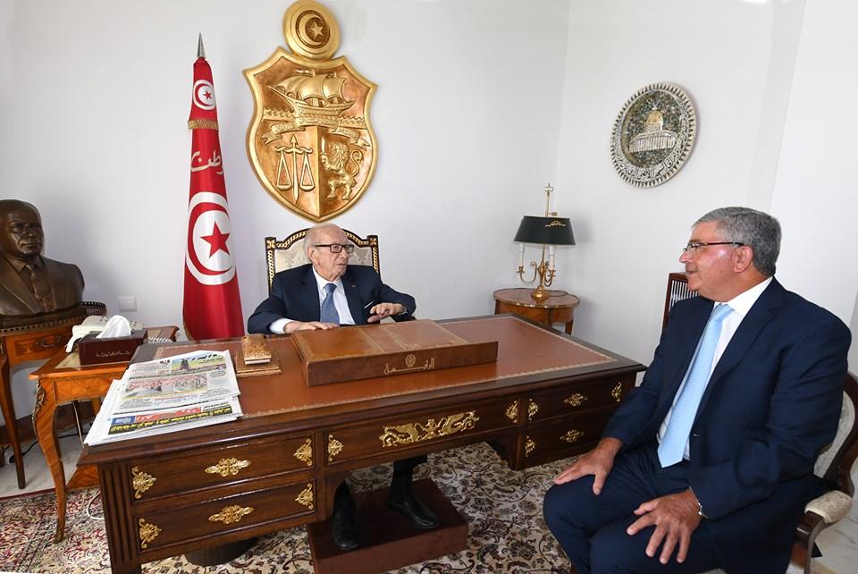 رئيس الجمهورية يستقبل وزير الدفاع