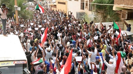 7 قتلى خلال مسيرات حاشدة في أنحاء الخرطوم