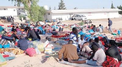 ليبيا تدرس إغلاق مراكز إيواء المهاجرين