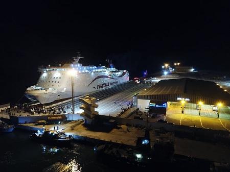 انطلاق عمل المحطة البحرية 2 بالميناء التجاري بجرجيس