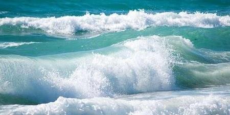 الرصد الجوي: السباحة وكافة الأنشطة البحرية في خانة الممنوع