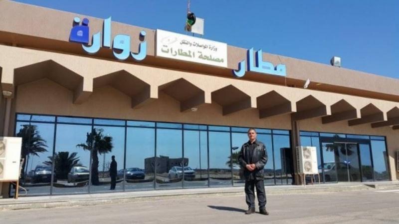 الجيش الليبي يقصف مطارا قرب الحدود التونسية