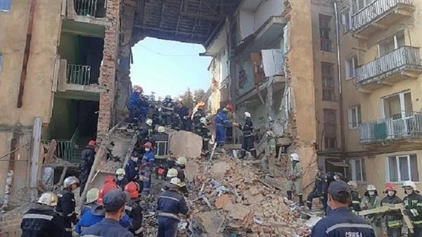 ارتفاع قتلى انهيار مبنى في أوكرانيا إلى 8 اشخاص
