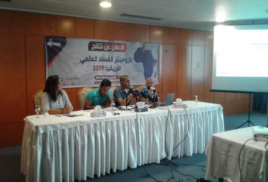 64 % من التونسيين يعتبرون ان آداء الحكومة سيئ في مكافحة الفساد