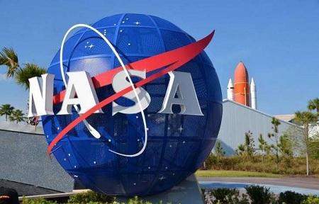 الناسا تحقق في ارتكاب رائدة فضاء أمريكية أول جنحة خارج كوكب الأرض