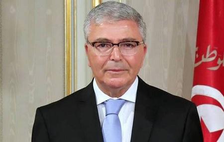 وزير الدفاع يستقيل من منصبه