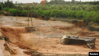المغرب: قتلى ومفقودين في انقلاب حافلة جرّاء السيول