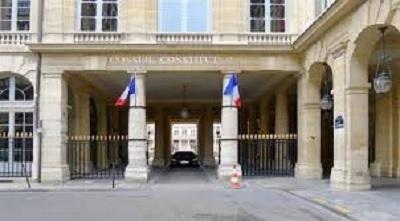 السلطات الفرنسية تتهم دبلوماسيًا بالانتماء لجماعة يمينية ضد المسلمين