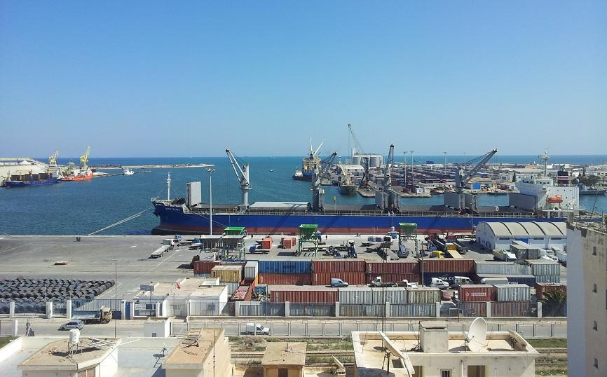 انتعاش نشاط الميناء التجاري بقابس