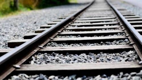الحمامات: محتجون يقطعون السكة الحديدية الرابطة بين نابل وتونس