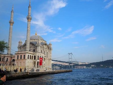 """تركيا قد تفقد 700 ألف سائح سنويا بسبب """"توماس كوك"""""""