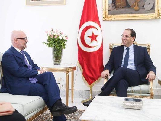 يوسف الشاهد يلتقي سفير إيطاليا بتونس