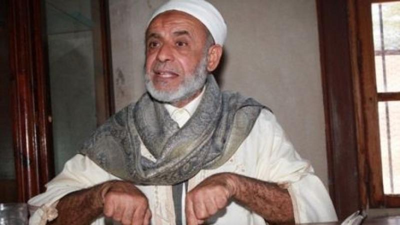 إخراج حسين العبيدي من جامع الزيتونة بالقوة العامة