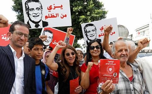 القروي يطالب بتأجيل الانتخابات الرئاسية ..و مسيرات شعبية تجوب الولايات