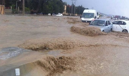 توزر: طرقات مقطوعة بسبب الأمطار