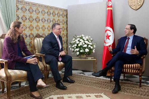 رئيس الحكومة يلتقي السفير الأمريكي بتونس