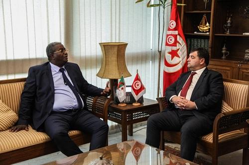 اتفاق تونسي جزائري على وضع استراتيجية جديدة في قطاع السياحة