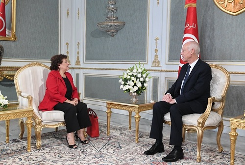 رئيس الجمهورية يلتقي سهام بن سدرين