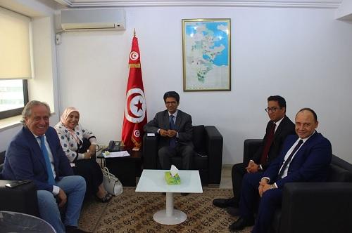 بحث سبل تطوير قطاع الصناعات البلاستيكية في تونس