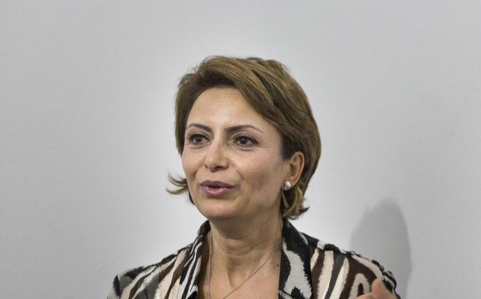تعرف على سيدة تونس الأولى إشراف شبيل (صور)