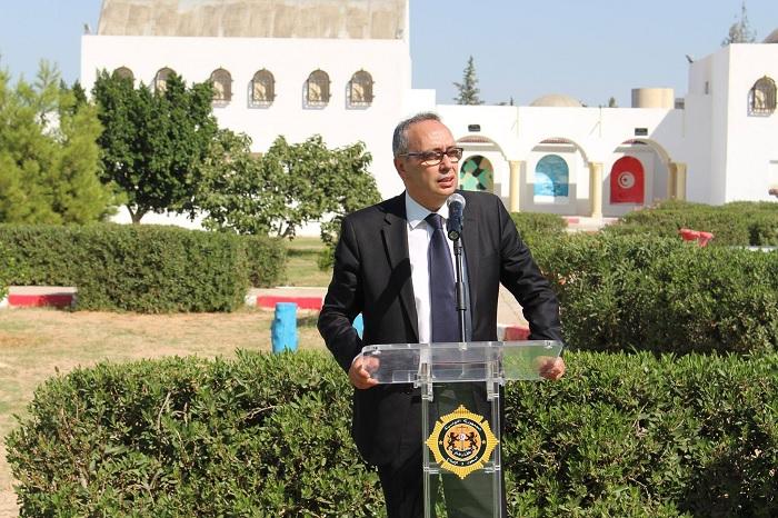 وزير العدل يفتتح السنة التربوية بمركز إصلاح الجانحين بسوق الجديد (صور)