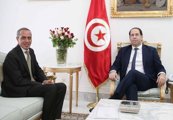 الشاهد يلتقي السفير الجزائري الجديد بتونس