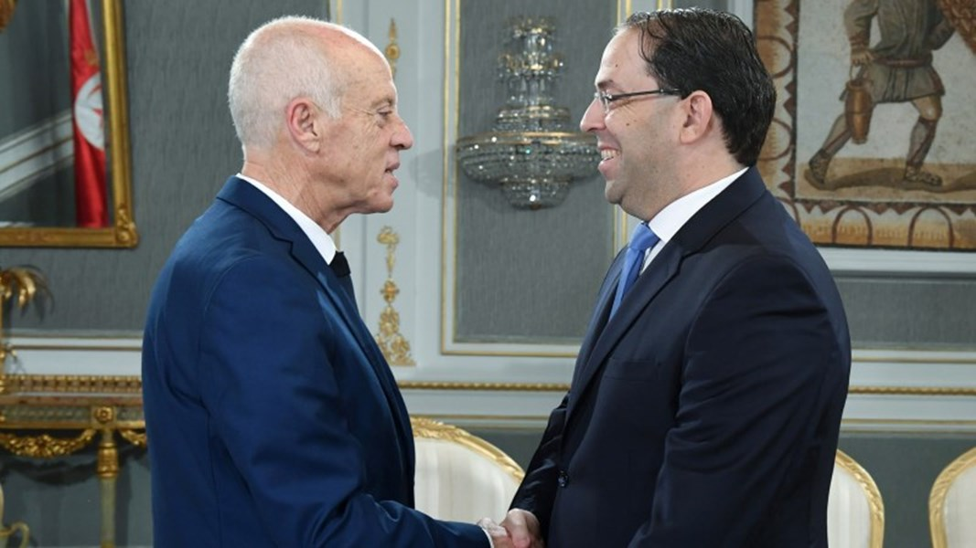 رئيس الجمهورية يكلف رئيس الحكومة بالتحول إلى فرنسا وإيطاليا