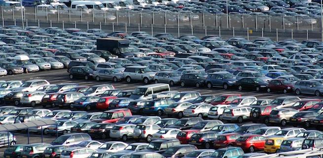 """تراجع مبيعات وواردات السيارات في تونس ..ولا وجود """"لماركات """" جديدة هذا العام"""