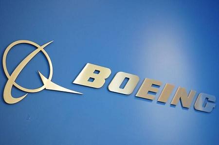 """""""بوينغ"""" تعلق إنتاج طائرتها """"737 ماكس"""""""