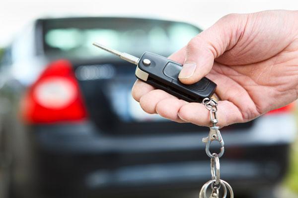 سرقة 25 سيّارة معدّة للكراء