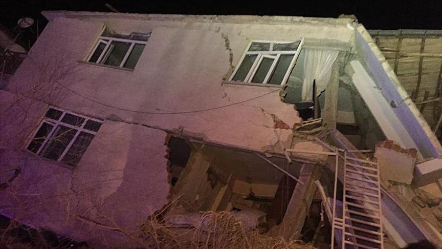 ارتفاع حصيلة ضحايا زلزال شرق تركيا