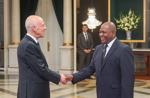 في موكب بقصر قرطاج: رئيس الجمهورية يتقبل التهاني بحلول السنة الإدارية الجديدة 2020