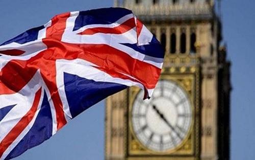 الخارجية البريطانية تستدعي السفير الإيراني