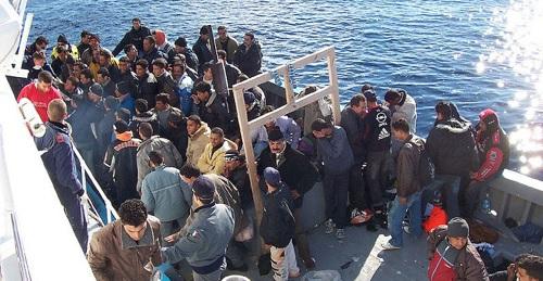 """تواصل إحتجاز 800 مهاجر تونسي في """"مليلة الاسبانية"""""""