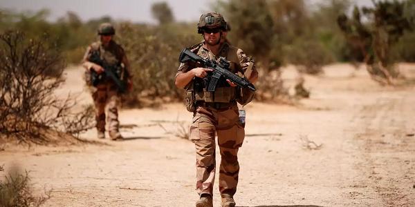 فرنسا سترسل 600 جندي إضافي لمنطقة الساحل الأفريقي